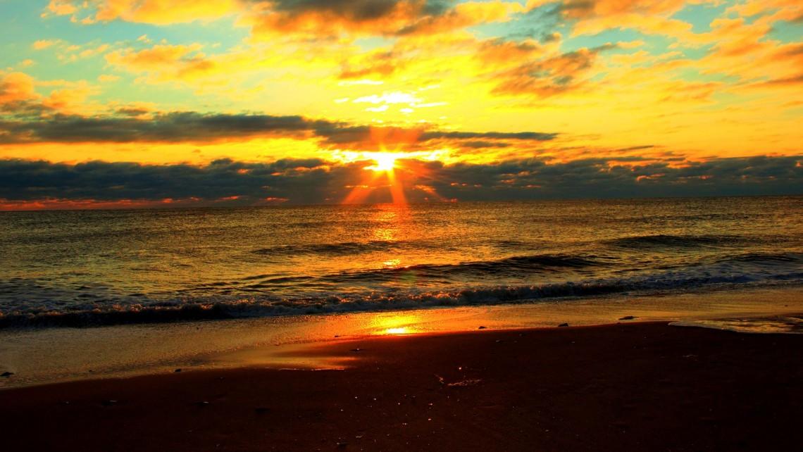 sunrise-989060_1920